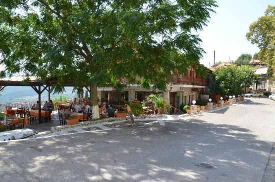 ithomi-taverna.jpg