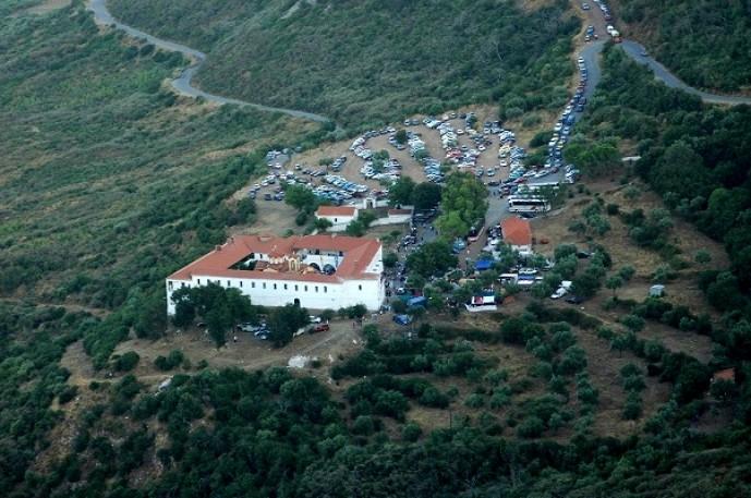 Στη νέα μονή του Βουλκάνου, στις 15 Αυγούστου, συρρέει κάθε χρόνο πλήθος πιστών.